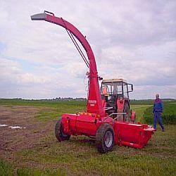 JF FCT 900 - tažená kolová řezačka